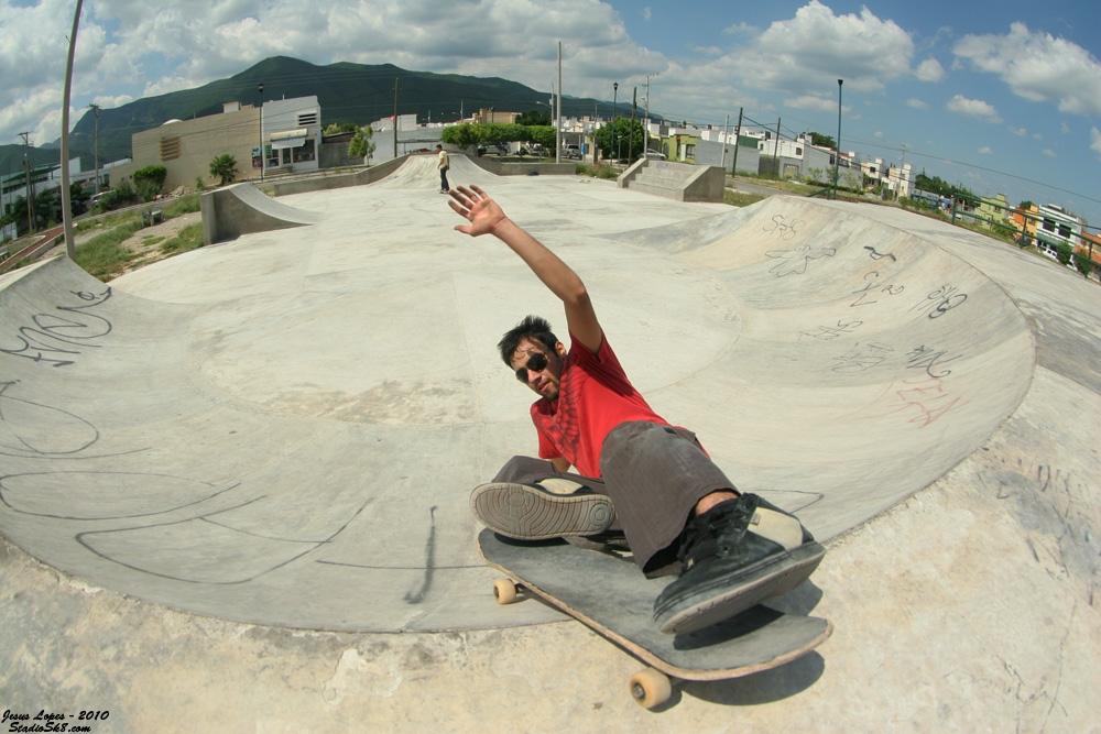 jesus-lopes-powerslide-2010-park