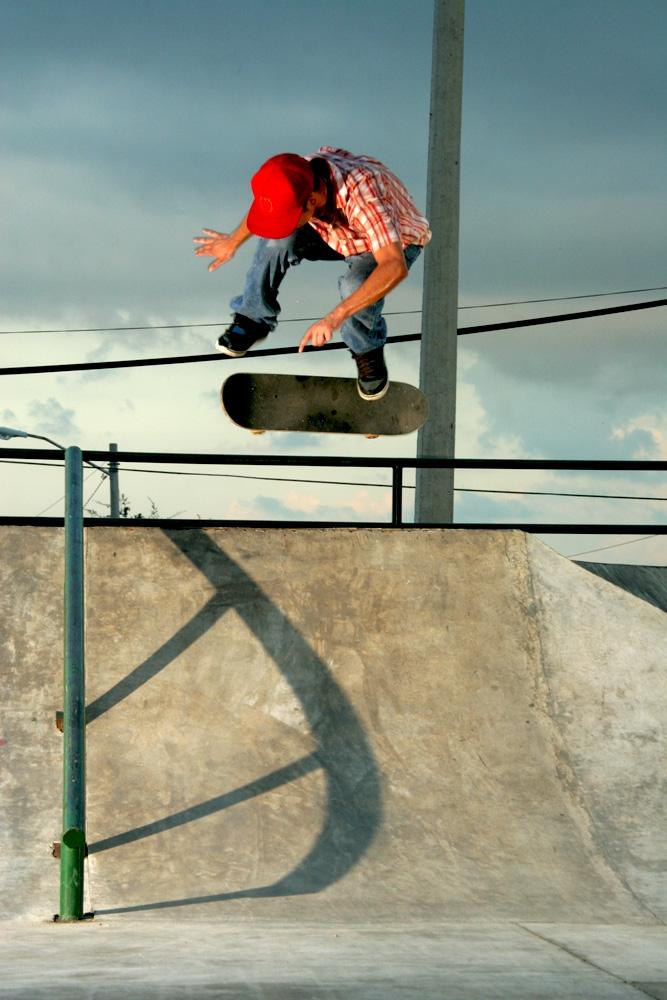 marcos-diaz-backside-flip-park-2010